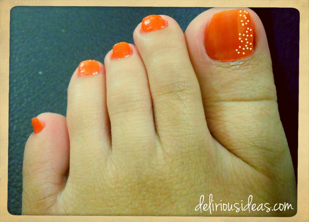 Daisies on my feet - Draw white dots in 5s